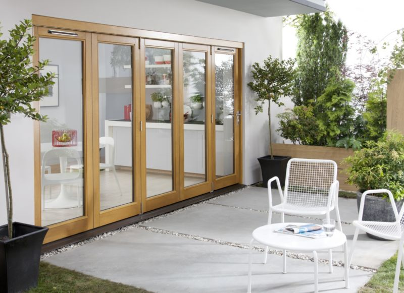 B&Q Oak Laminate Sliding Folding Patio Doorset - Brickwork Opening (H)2105 x (W)3605mm