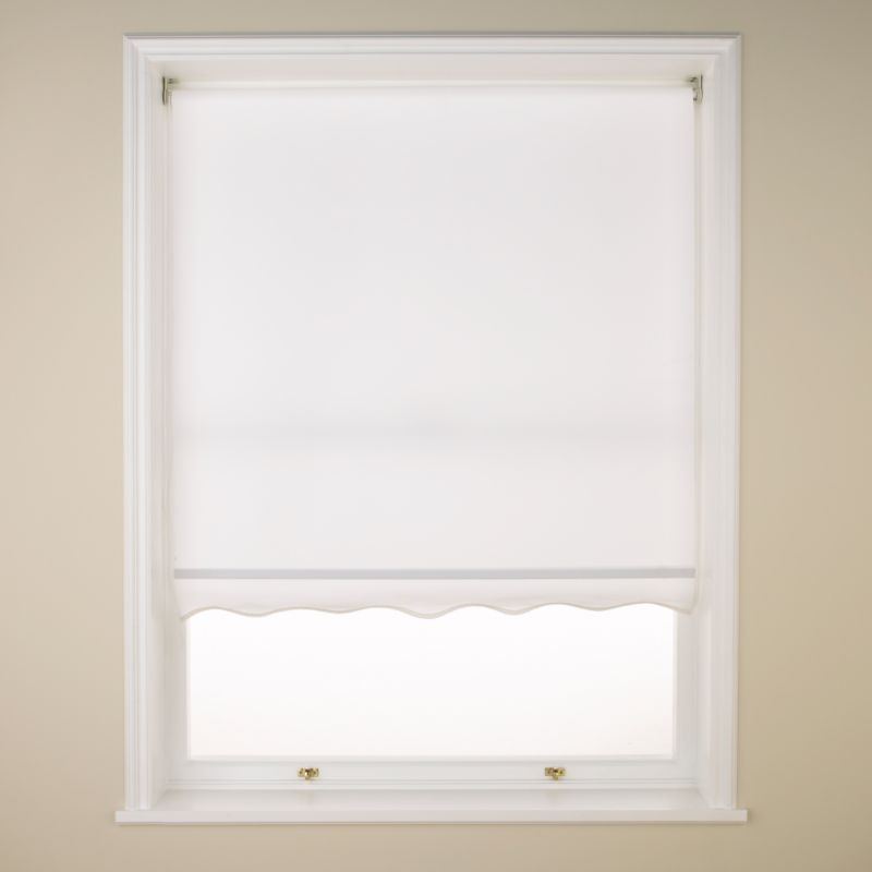 Colours by BandQ Scallop Roller Blind White