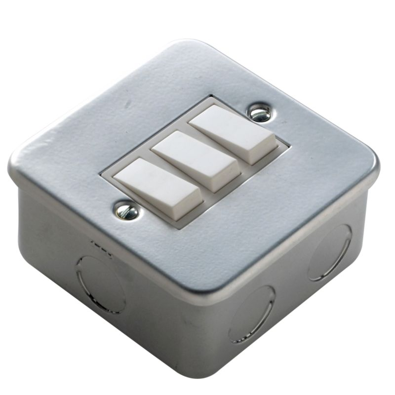 Marbo Light switch Triple 2 Way 6Ax Metal Clad