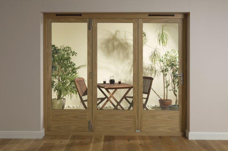 B&Q 6ft Light Oak Tri Fold Left Hand Folding Exterior Door 2090x1790mm