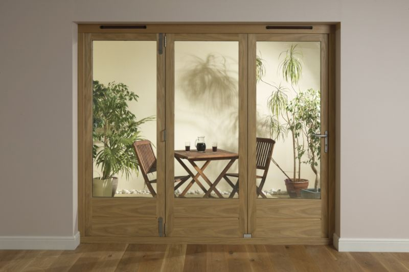 B&Q 8ft Light Oak Tri Fold Left Hand Folding Exterior Door 2090x2390mm