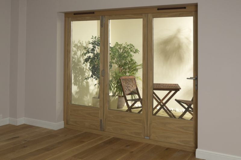 B&Q 6ft Light Oak Tri Fold Right Hand Folding Exterior Door 2090x1790mm