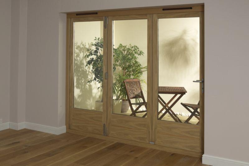 B&Q 6ft Light Oak Tri Fold Right Hand Folding Exterior Door 2090x1790mm