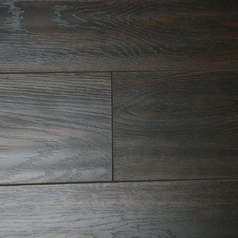 B q colours dolce dark brown richmond oak effect for Dark brown laminate wood flooring