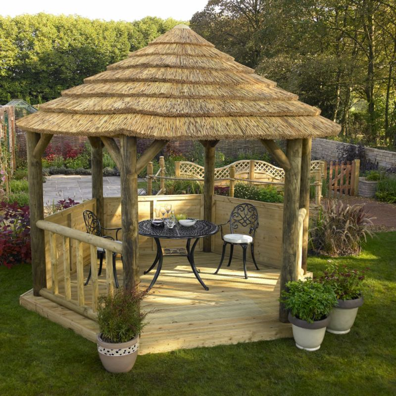 Classic Thatched Loggia With Roof Lining - (H) 3m x (W) 3.1m x (L) 2.6m