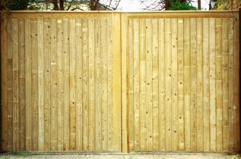 Rye Double Leaf Courtyard Gate (H)1.8m x (W)3.1m