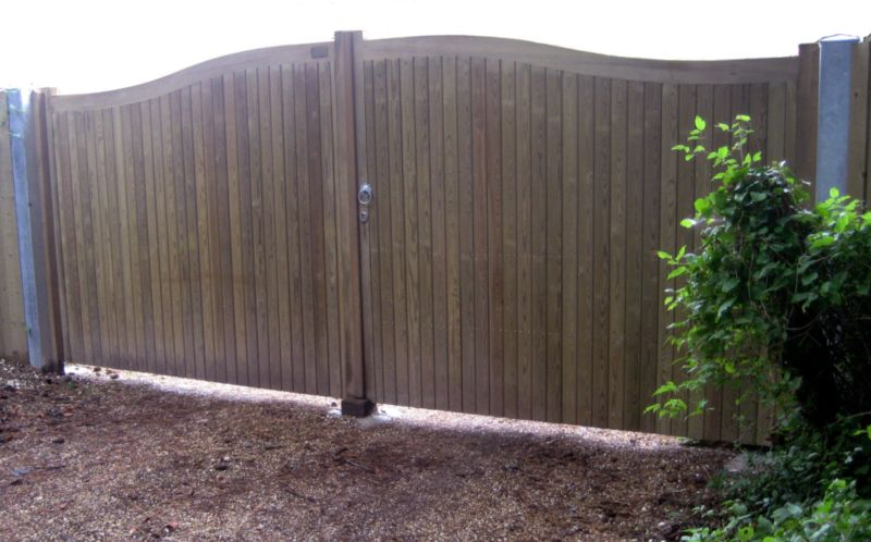 Hythe Double Leaf Courtyard Gate (H)1.8m x (W)3.1m