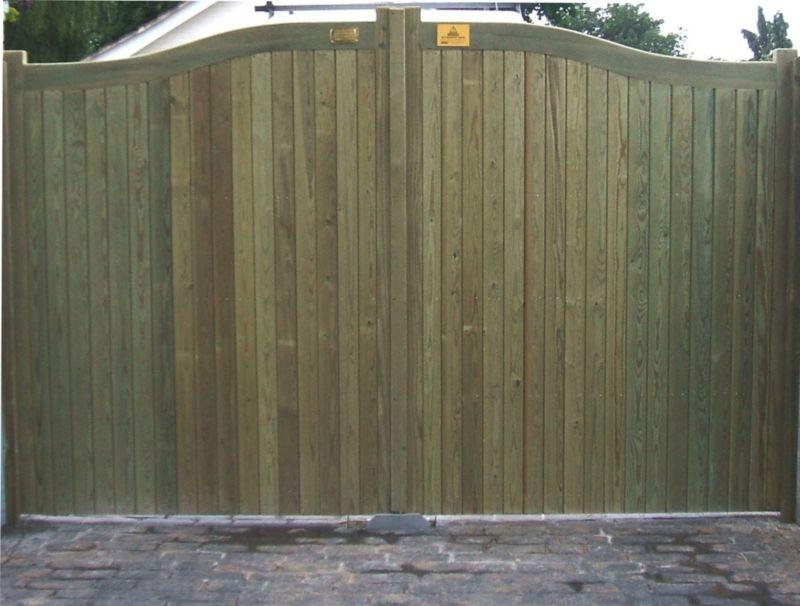 Hythe Double Leaf Courtyard Gate (H)1.8m x (W)3.6m