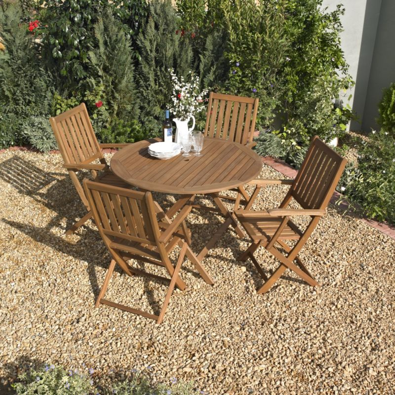 BandQ Chichester Dining Set - Round Table and 4